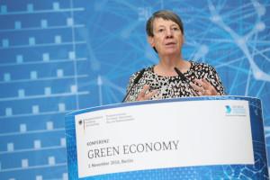 """Hendricks: """"Abfallwirtschaft soll übertriebene Preisaufschläge zurücknehmen """""""